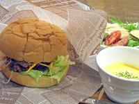 鰻の蒲焼きを揚げてパンで挟んだやつ〔カメレオン キッチン/イタリアン・フレンチ・鰻バル/JR新福島〕 - 食マニア Yの書斎
