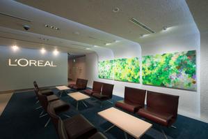 日本ロレアル株式会社 - 色彩の下