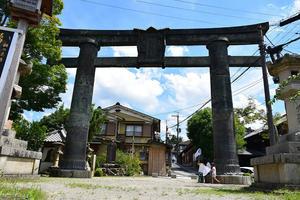 太平記を歩く。 その130 「銅の鳥居」 奈良県吉野郡吉野町 - 坂の上のサインボード