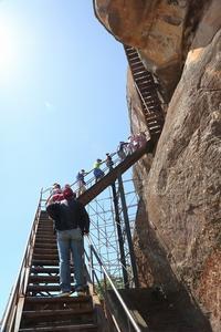 スリランカの、ここは見ておきたい(その18)(なんとか登頂、世界遺産の巨岩シーギリヤロック) - 旅プラスの日記