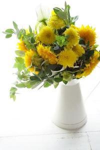 今季最後かな?ひまわりのブーケとコンポジション - お花に囲まれて