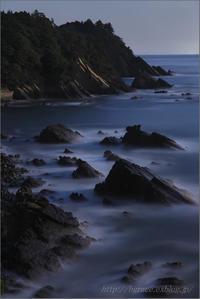 月明かりの三陸海岸 - 遥かなる月光の旅
