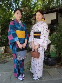 対照的なお着物で、スッキリきれい。 - 京都嵐山 着物レンタル&着付け「遊月」