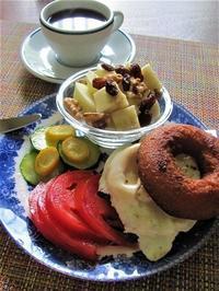 簡単な朝食作り アップルサイダードーナッツ編 - NYからこんにちは