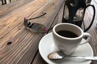 静かなカフェ - ファインダーの中に惹かれて