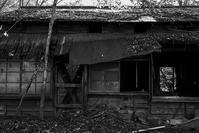 壊れかけた民家 - 社会人美大生の写真日記。