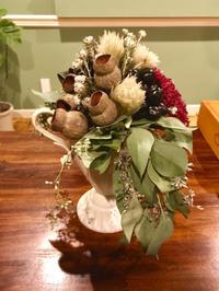 お客様からのお写真 ブーケとスワッグ - 北赤羽花屋ソレイユの日々の花