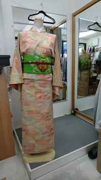 トルソーさん着物チェンジ!~夕焼け柄の紬コーデ - たんす屋新小岩店ブログ