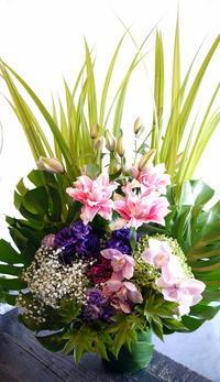 ご自宅での法要にアレンジメント。新琴似2条にお届け。2017/09/10。 - 札幌 花屋 meLL flowers