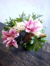 お仏壇にアレンジメント。2017/09/10。 - 札幌 花屋 meLL flowers