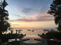 201708-09 バンコク〜サムイ島の旅 (11) ホテルからの夕焼け - ジョージ3のぐうたら日記