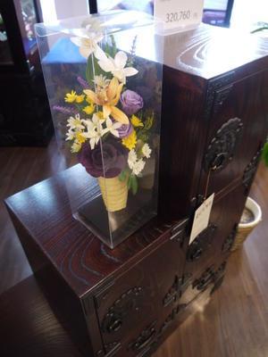 らら・いわて・・・岩谷堂家具様と北の花籠アレンジ・・コラボ展示会 -