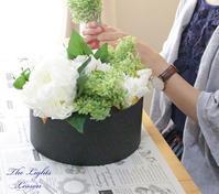 花とテーブルコーディネート - アーティフィシャルフラワー THE LIGHTS