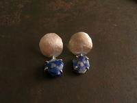 ラズライト ピアス - 石と銀の装身具