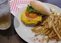 Teddy's Bigger Burgers! - 寫眞機萬年堂   - since 2013 -