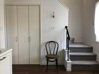 階段下収納の工夫 - 小さな花アトリエ
