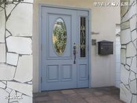 塗り直した輸入玄関ドア - 只今建築中