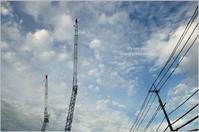 クレーンと電線と秋の空 - It's only photo
