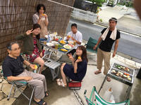 BBQ@庭 - colorful sunny cafe roadster