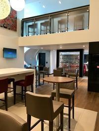 BA Club World Lounge@Gatwick South Terminal - ロビンと一緒にお茶しましょ♪