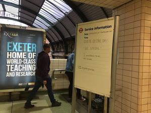 駅の掲示板に「Be Strong:シッカリしろ」とは?? - ロンパラ!(LONDON パラダイス)