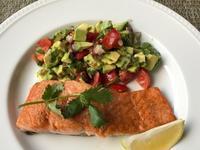 鮭のムニエル アボカド・サルサを添えて - やせっぽちソプラノのキッチン2