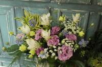 お供え花と開店祝いの花 - 北赤羽花屋ソレイユの日々の花