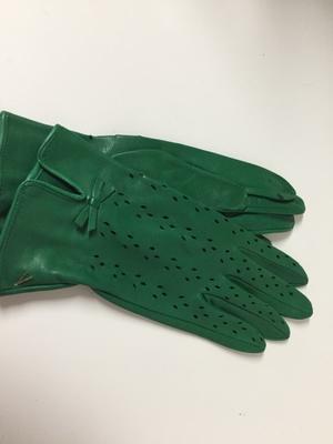 イタリア革手袋は、色で選ぶべし - てぶくろ