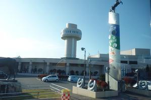 JR日高本線沿いの街道を走って帰路へ - レトロな建物を訪ねて