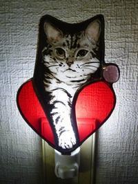 猫のおやすみライト - atelier GLADYS  ステンドグラス工房 作り手の日々