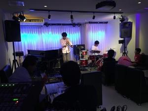 広島 Jazzlive comin  本日火曜日のジャズライブ - Jazzlive Comin     広島  薬研堀のJazz BAR