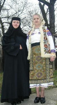 伝統衣装&今日EU加盟調印式 - ルーマニアへ行こう! Let's go to Romania !