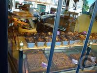 ■レンヌ通り(パリ6区75006)のパン屋 - フランス美食村