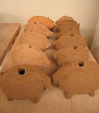 ■陶芸(楽陶会):楽陶会の締めくくりは、亥エトー君 - 陶芸ブログ・さるのやきもの