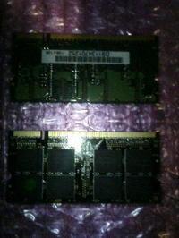 見た目もマッチョな1GBメモリ!?^^ - あるiBook G4ユーザによるブログ