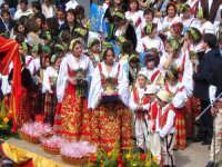 復活祭特集ピアナ・デリ・アルバネーゼの民族衣装パレード - シチリア島の旅ノート