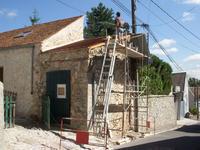 屋根は終了、壁に突入。 - フランス存在日記