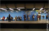 RER: CHÂTELET-LES HALLES - いつものパリ