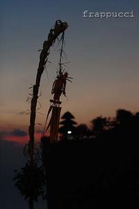 ウルワツ寺院でケチャックダンス鑑賞 - フラプッチ~のダイビング日記。