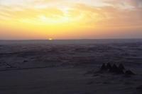砂漠と夕陽とマザー・テレサの言葉 『 Life is... 』 - ヤスコヴィッチのぽれぽれBLOG