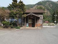 姫新線岩山駅 - 近代建築Watch