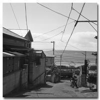 #2407郵便屋さんと江ノ電 - at the port