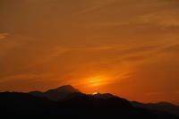 夕暮れとトワイライト@多峯主山 - デジカメ写真集