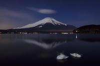 白鳥と逆さ富士@山中湖 - デジカメ写真集
