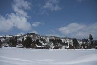 雪国の晴れ間@荻ノ島茅葺環状集落 - デジカメ写真集