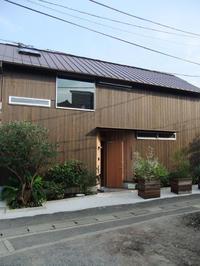 焼杉板外壁/再訪/葉山A邸 - 建築事務所は日々考える