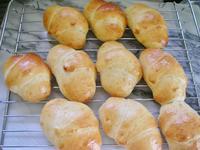 朝、焼き立てのパンを食べるために・・・・・・ - Anriの日記