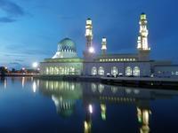ボルネオ島の最も美しいモスク - コタキナバル 旅行記・ブログ
