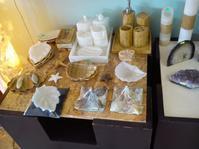 石やさん『La Nueva Era de Piedra(石の新時代)』 - Tea's room  あっと Japan