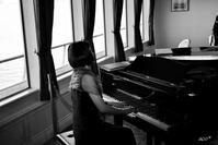 a pianist on the ship - aco* mode